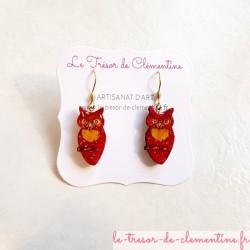 Paire de boucles d'oreilles originale chouette rouge et or modèle unique signé au dos
