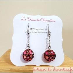 Boucles d'oreilles fantaisie décor vitrail tons rose ronde sur chaîne argent Artisanat d'Art