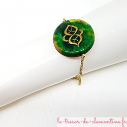 Bracelet femme baroque tons vert et or réglable Elégant avec des couleurs profondes l'aspect d'émail.