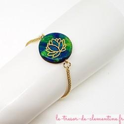 Bracelet artisanal pour femme décor nénuphar turquoise et or Elégant avec des couleurs profondes à l'aspect d'émail
