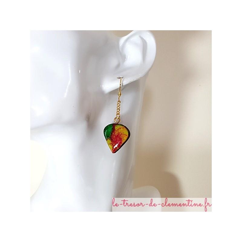 Boucles d'oreilles fantaisie perle de rosée multicolore bel aspect émail très légères