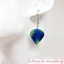 Paire de Pendant d'oreille femme en forme de perle de rosée turquoise à vert aspect émail bel effet