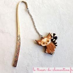 Marque-page décor de lémurien monture argent, réalisé sur bois, artisanat d'art un cadeau original