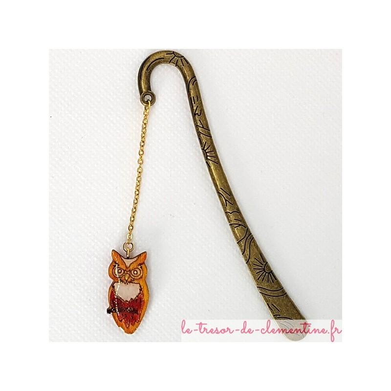 Marque page chouette orange et décor métal bronze, un cadeau original pour petits et grands lecteurs