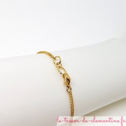Délicat bracelet femme médiéval baroque ton feu fine chaîne dorée  Création Le Trésor de Clémentine Artisanat d'Art