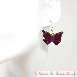 Boucle d'oreille artisanale femme masque papillon violet et pailleté décor fait main