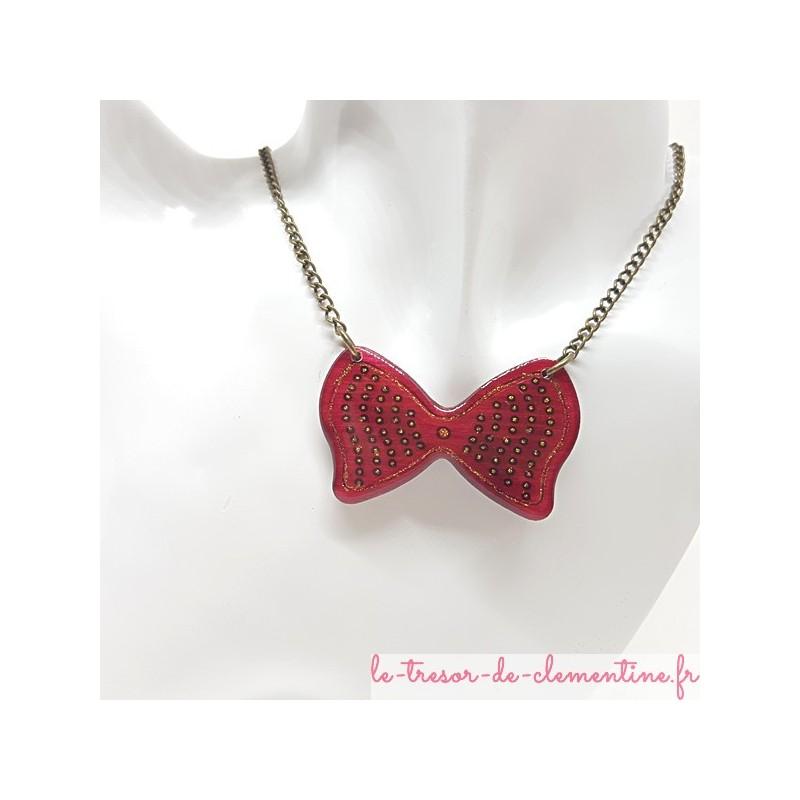 Collier artisanal noeud papillon rose chaîne bronze très léger décor fait main