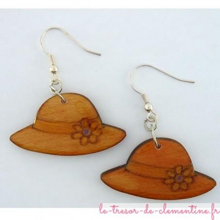 Boucles d'oreilles en bois forme chapeau couleur orangé