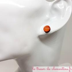 Puce ou bouton d'oreille  orange pailleté et scintillant prix doux couleurs profondes aspect émail