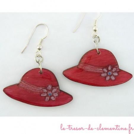 Boucles d'oreilles en bois forme chapeau couleur rose