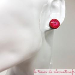 Puce ou bouton d'oreille rouge pailleté effet métal 12 mm fait main très léger