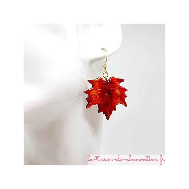 Boucles d'oreille fantaisie femme feuille érable orange à feu et doré