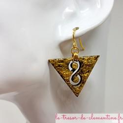 Boucle d'oreille originale infini décor doré martelé fait main