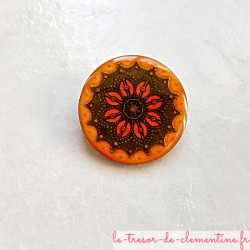 Broche vintage tons orange à feu et bronze forme ronde aspect émail #brochebaroque  #brocheartisanale #brochefaitmain