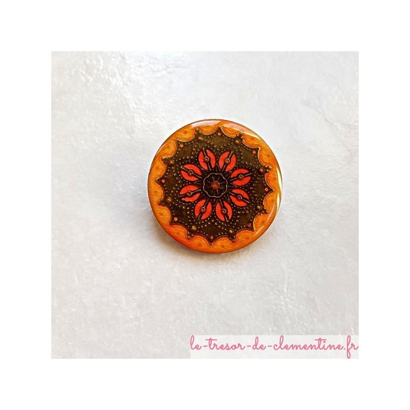 Broche vintage tons orange à feu et bronze forme ronde aspect émail #brochebaroque  #brocheartisanale #brochefaitmain