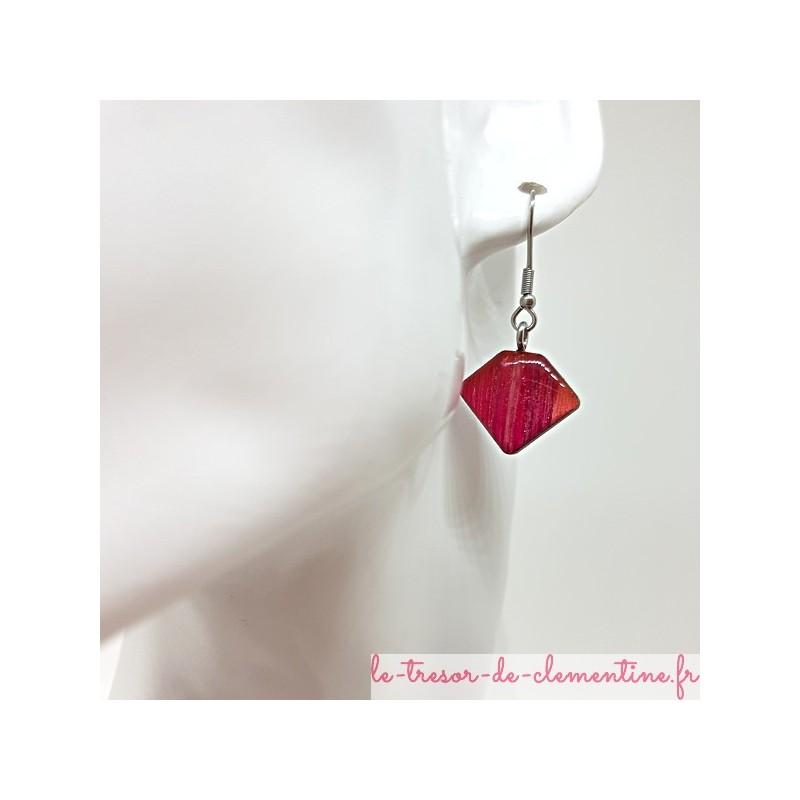 Boucles d'oreille femme berlingot rouge strié pailleté et argent, fait main,  réversible sur monture couleur argent en inox