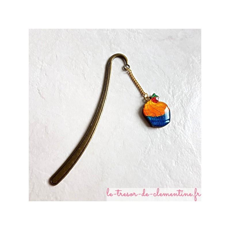 Marque-page cupcake orange et turquoise aspect émail fait main un cadeau utile support métal couleur bronze