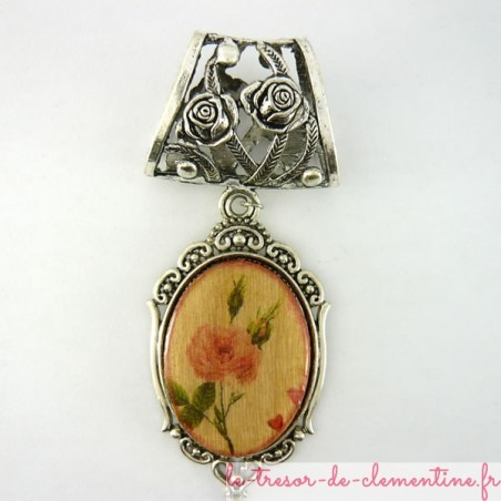 Bélière de foulard décor de rose médaillon haut