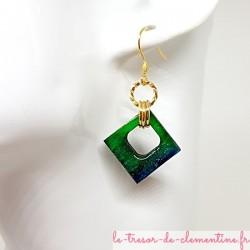 """Boucle d'oreille pendantes """"chic"""" losange turquoise tendance vert pailleté doré"""