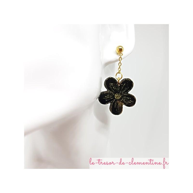 Boucle d'oreille pendante fleur noir, or et pailleté fait main bijou fantaisie de création artisanale fait main