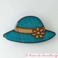 Broche chapeau turquoise