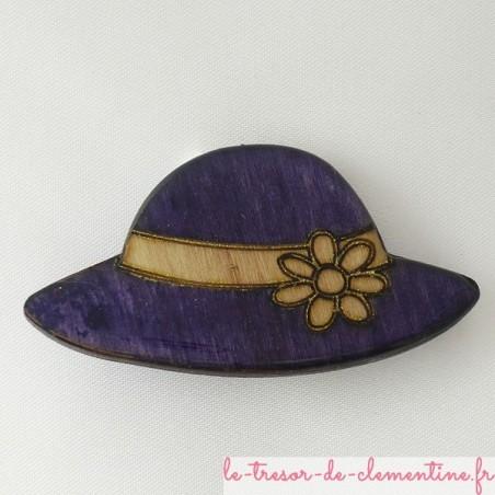 Broche chapeau violet