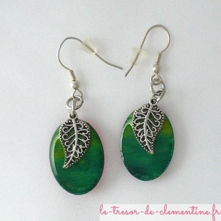 Boucles d'oreilles décor feuille filigrane vert et argent