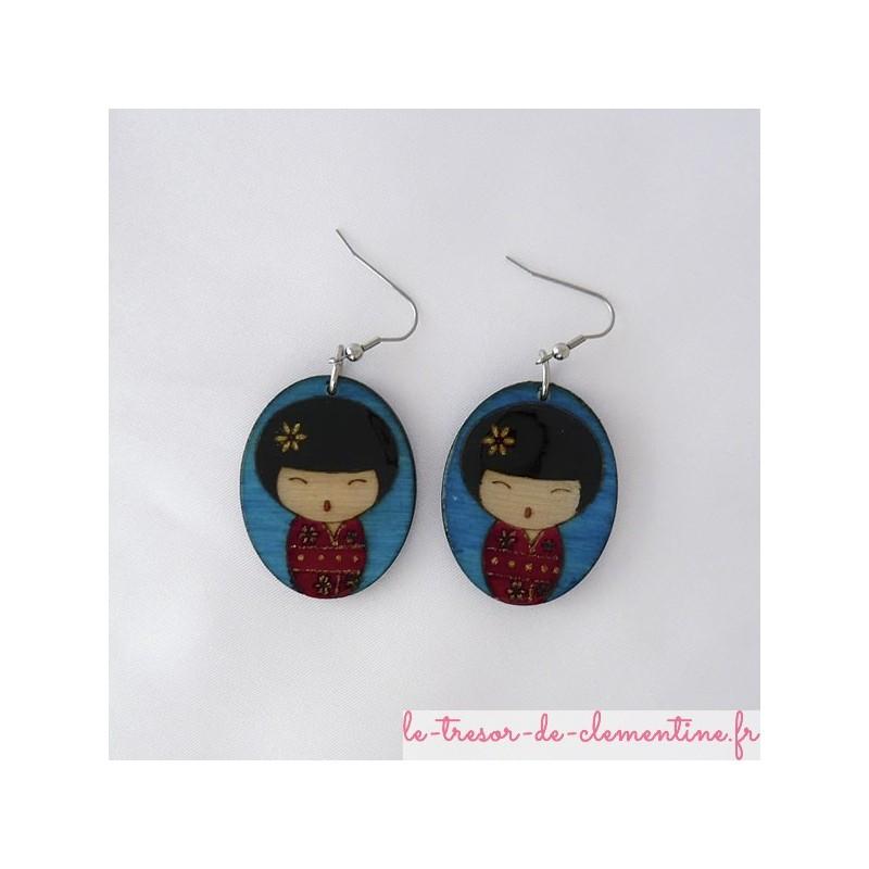 Poupée japonaise rouge et bleu- boucles d'oreilles
