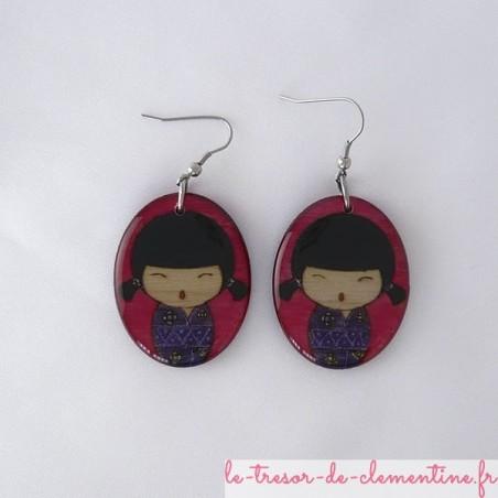 Poupée japonaise rouge et violet couettes - boucles d'oreilles