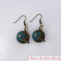 Lapin sur croissant de lune turquoise - boucles d'oreilles
