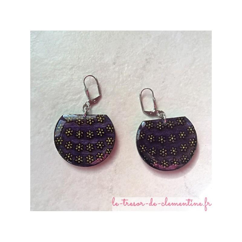 Boucle d'oreilles fantaisie originale panier de fleurs violet et doré