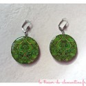 Boucle d'oreille fantaisie arabesques verte forme ronde collection