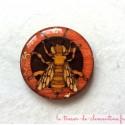 Broches originales : abeille tons miel créée et décorée à la main par Clémentine créateur de bijou