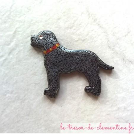 Broche chien avec collier strass swarovski