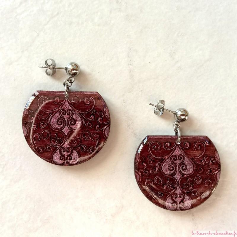 Boucle d'oreillearabesque brun rose forme tronquée style baroque bijou fantaisie