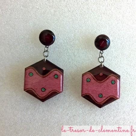 Boucle d'oreille rose et marron hexagone vague