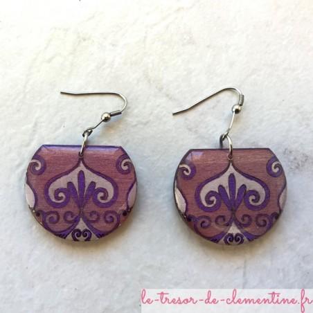 Boucle d'oreille médiévale baroque violet