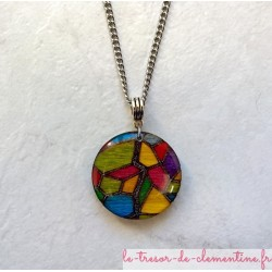 pendentif collier vitrail medieval bijou original avec belle chaîne acier inoxydable