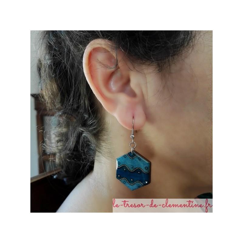 Boucle d'oreille fantaisie bleu et blanc hexagone vague boucle d'oreille fantaisie bijou de créateur