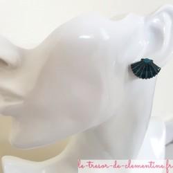 Boucle d'oreille fantaisie forme coquille saint jacques turquoise et pailleté existe en d'autres couleurs