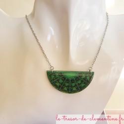 collier artisanal pendentif baroque vert