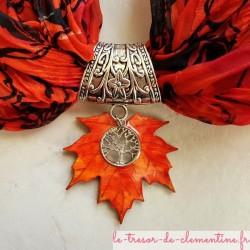 Bélière pour foulard feuille d'érable, bijou fantaisie de créateur