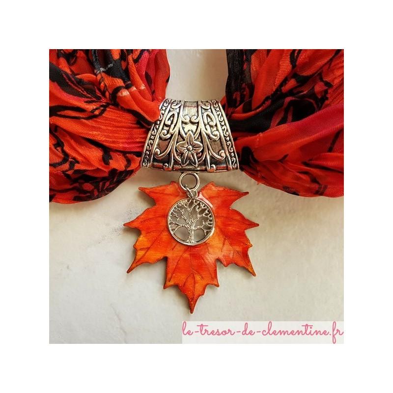 Bélière pour foulard feuille d'érable, bijou fantaisie de créateur existe en boucle d'oreille et collier