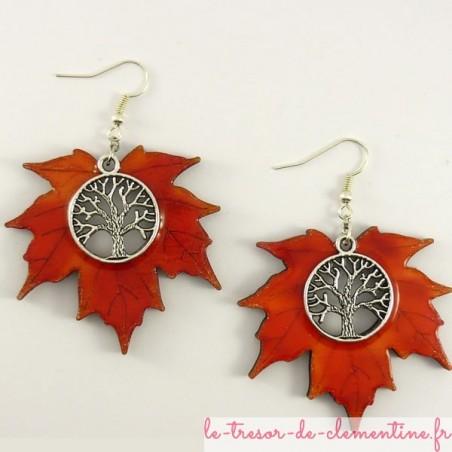 Boucles d'oreilles fantaisie arbre de vie feuille érable tons rouges