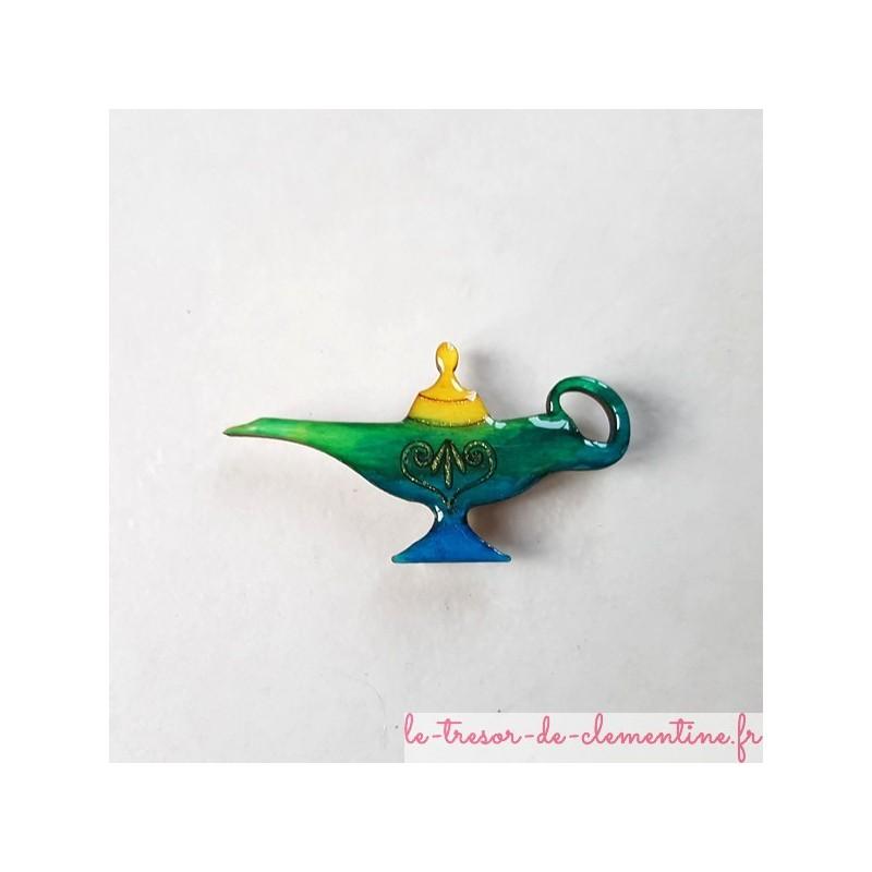 Magnet lampe d'aladin vert bleu jaune Création artisanale française. Décor créé et réalisé à la main par Clémentine