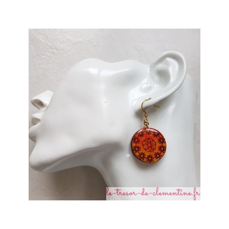 Boucles d'oreille fantaisie orange soleil et fleurs, bijou fantaisie décor à la main