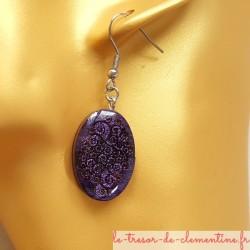 Boucle d'oreille artisanale ovale spirale violet, bijou artisanal décoré à la main