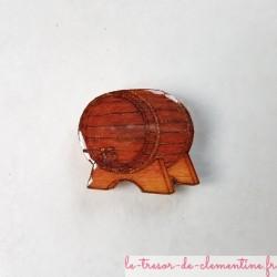 Magnet forme tonneau de vin, cadeau utile et pratique, décor réalisé à la main fabrication française