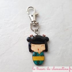 Accroche-sac à main ou sac à dos poupée japonaise turquoise