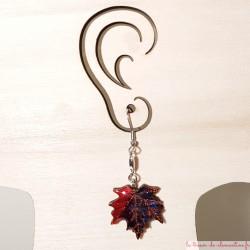 Boucle d'oreille  feuille d'érable rouge et noir création artisanale